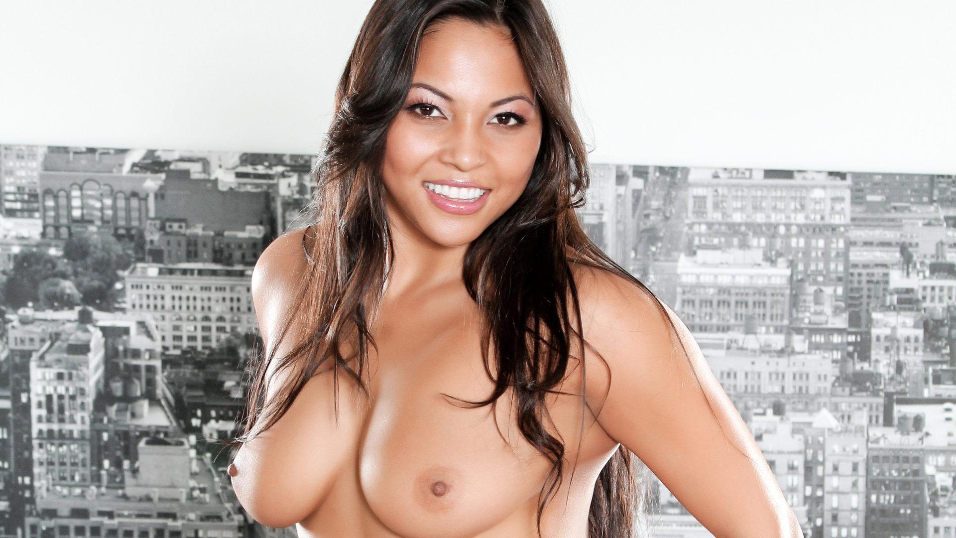 HUSTLER Honey Adrianna Luna