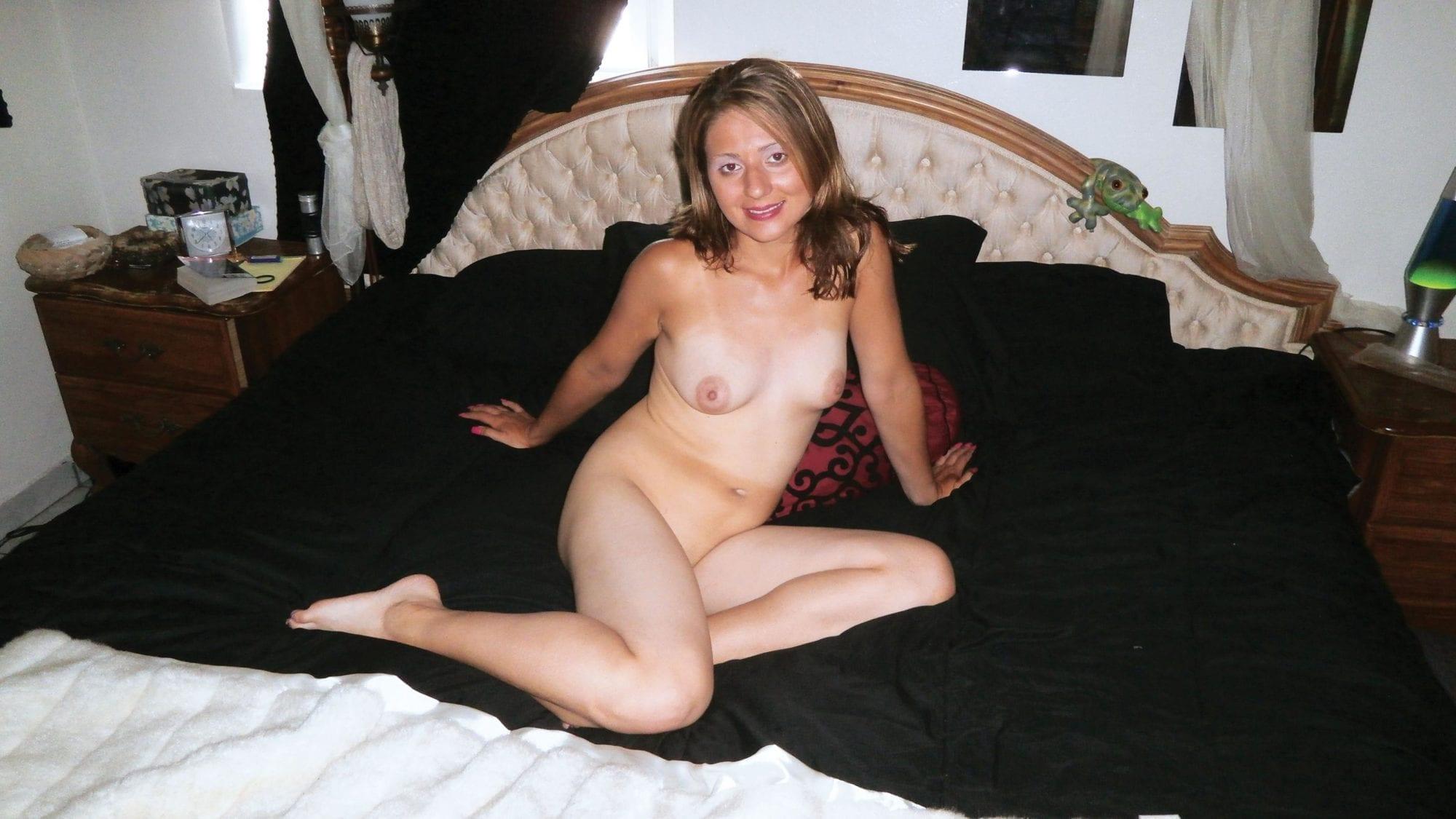 HUSTLER Beaver Yvette