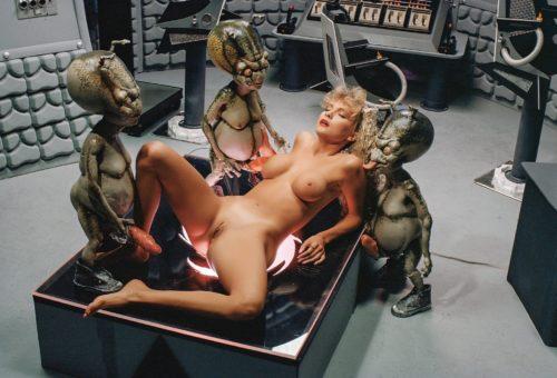 HUSTLER Classic: Alien Ab-dick-tion