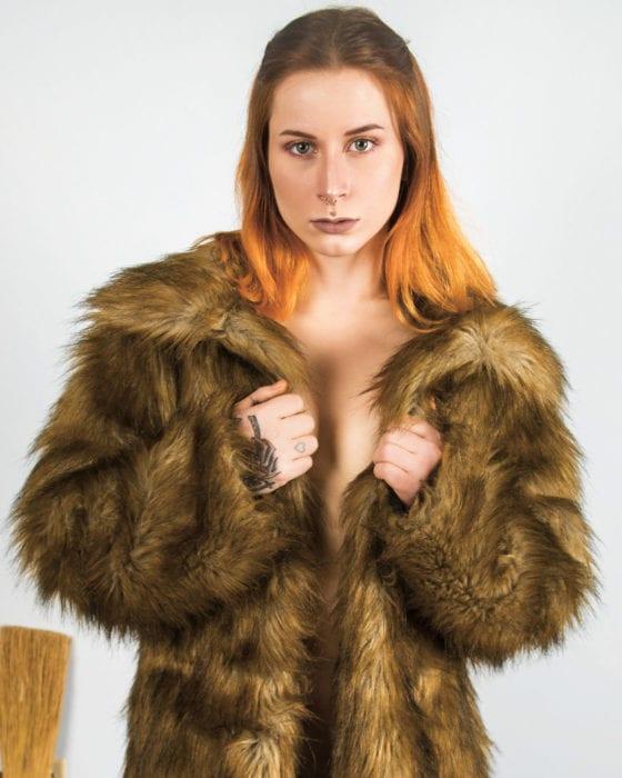 HUSTLER Beaver Rosalyn Rae