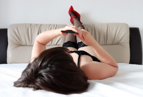 Sexting Without Sex Is a Real Thing That Happens—but Why?!